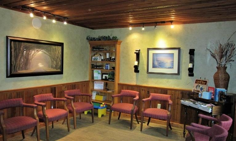 Waiting-Room-at-eagle-mountain-family-dental